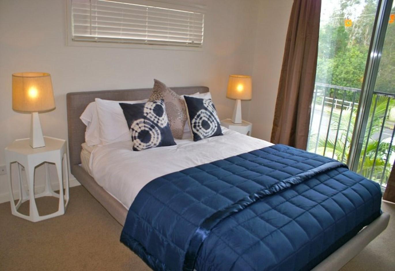 Deluxe_bedroom